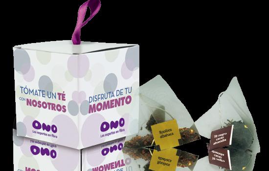 Pyramidal tea bag in cube box