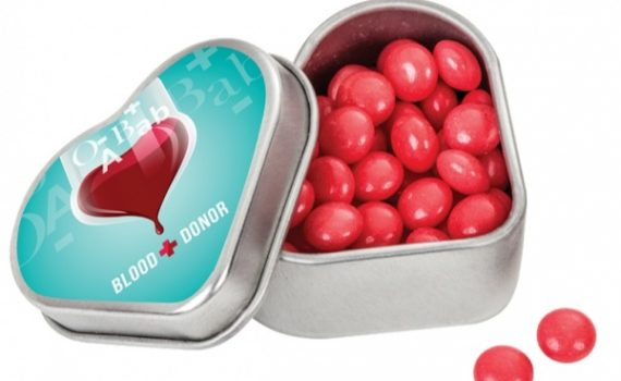 Promotional pastilles in tin box in shape heart