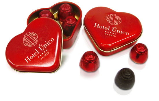 Heart tin with chocolates