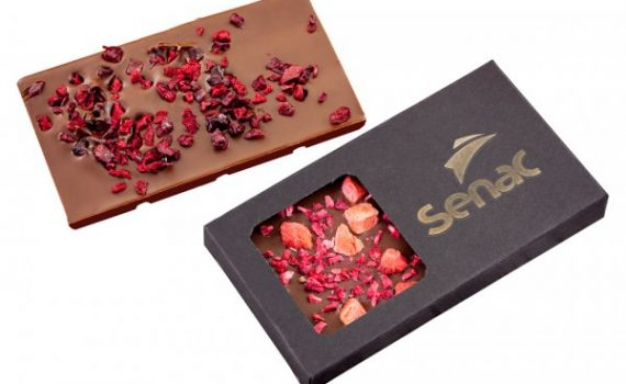 Small chocolates with lyophilized fruit bits 50 g