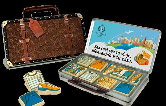 Suitcase tin with 8 chocolates