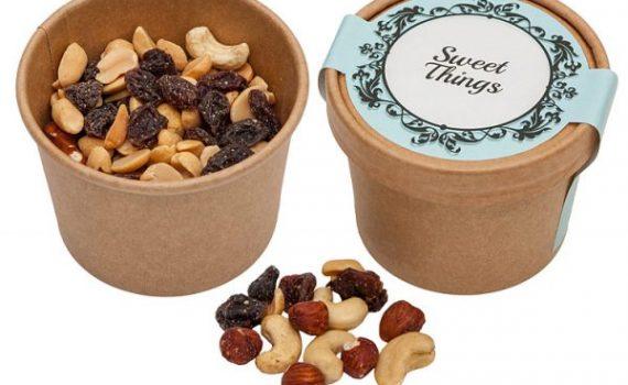 Student mix of peanuts, hazelnuts, cashews and raisins