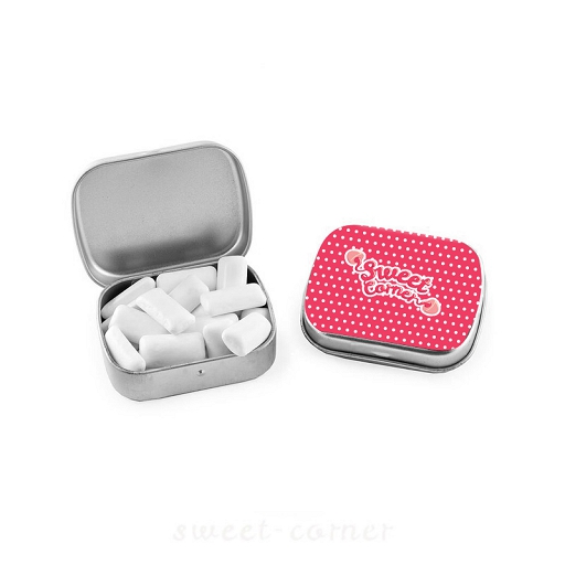 Chewing gums in silver box